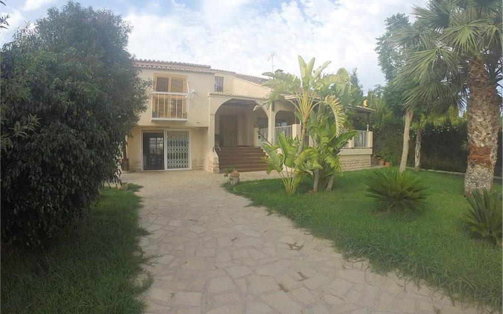 Ref. 000214 – Villa for rent Corinto beach, Puerto Sagunto