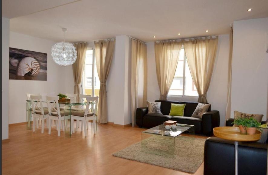 Ref. 000503 – Piso luminoso de 3 habitaciones en Arrancapins