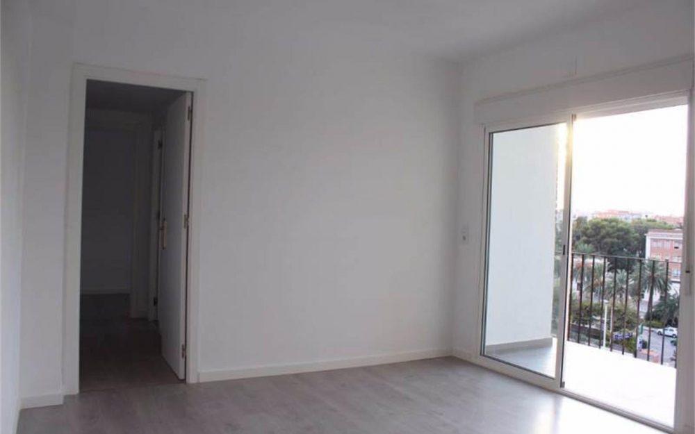 Ref. 000538 – Piso reformado de 3 habitaciones en Olivereta