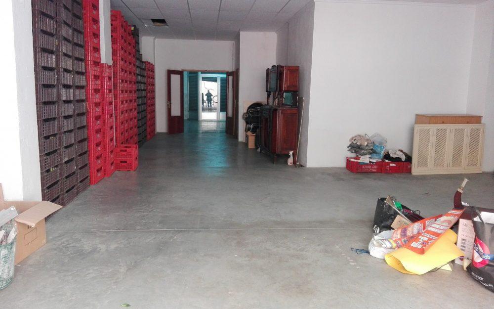 Ref. 000574 – Local comercial grande / almacén en alquiler en Puerto Sagunto