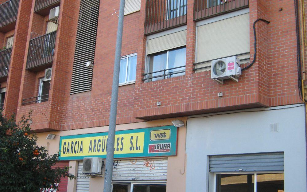 Ref. 000572 – Local comercial en alquiler en Malilla