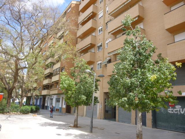 Ref. 000592 – Piso vacío de 3 habitaciones en Malilla