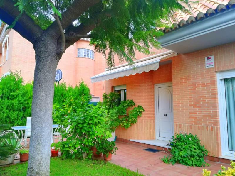 Ref. 000679 – Casa en venta en Moncada
