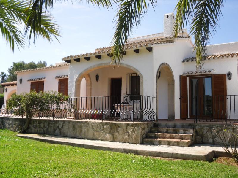 Ref. 000759 – Chalet unifamiliar en venta en La Sella, Denia