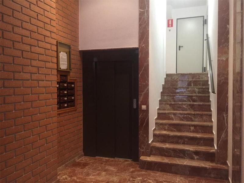 Ref. 000775-Apartment for rent in Montolivet