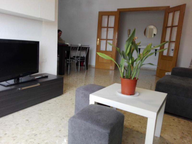 Ref. 000645 – Chambre d'étudiant dans appartement partagé, Moncada