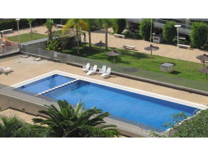 Appartement te huur in Torrefiel – Ref. 000824
