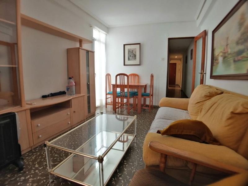 Piso en alquiler en Moncada – Ref.000843