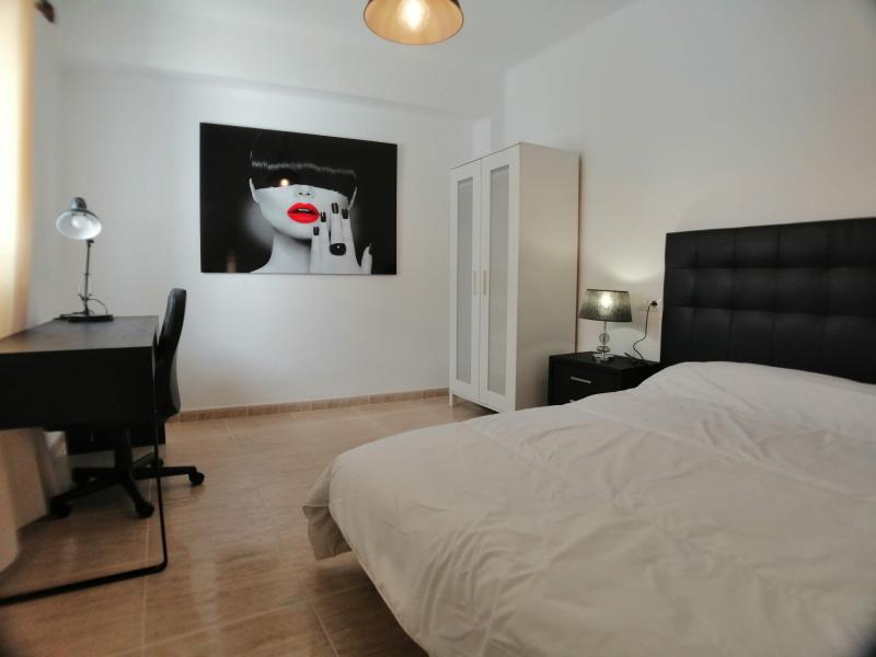 Appartement étudiant 3 chambres Moncada – Réf. 000853