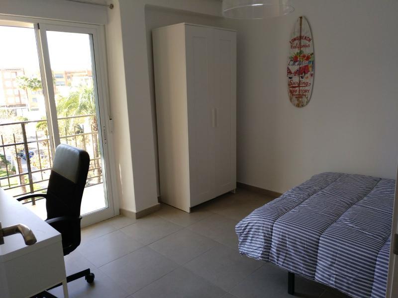 Apartment for rent in Moncada – Ref. 000845