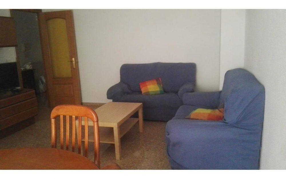 Piso de estudiantes con 4 habitaciones Moncada – Ref.000829