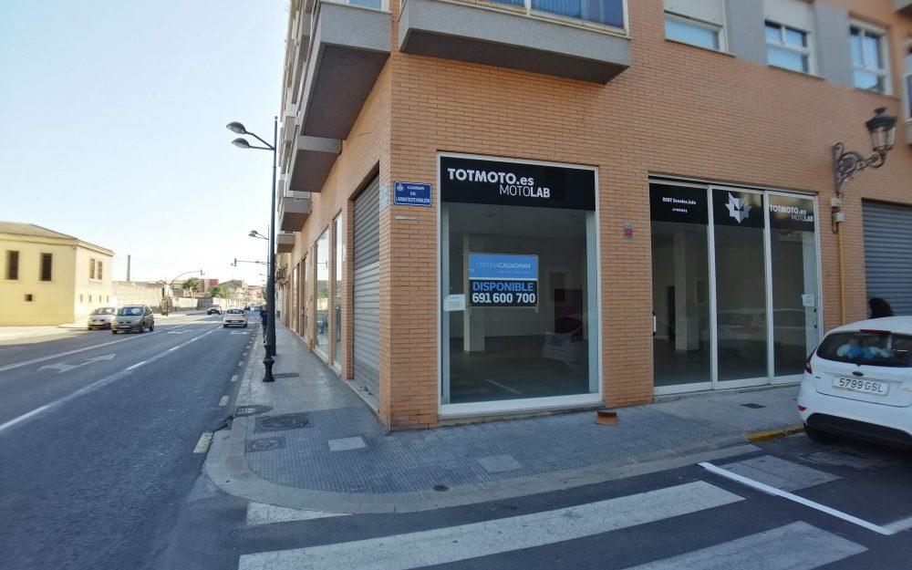 Local comercial en alquiler en La Creu Coberta – Ref.000920