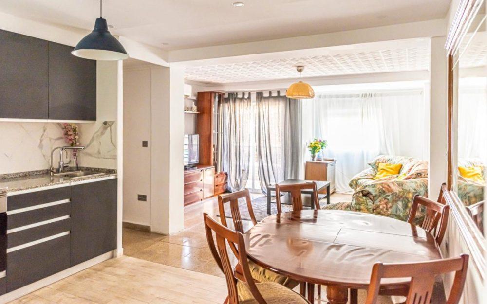 5 Bedroom Flat for Rent in Montolivet (Valencia city) – Ref. 000959