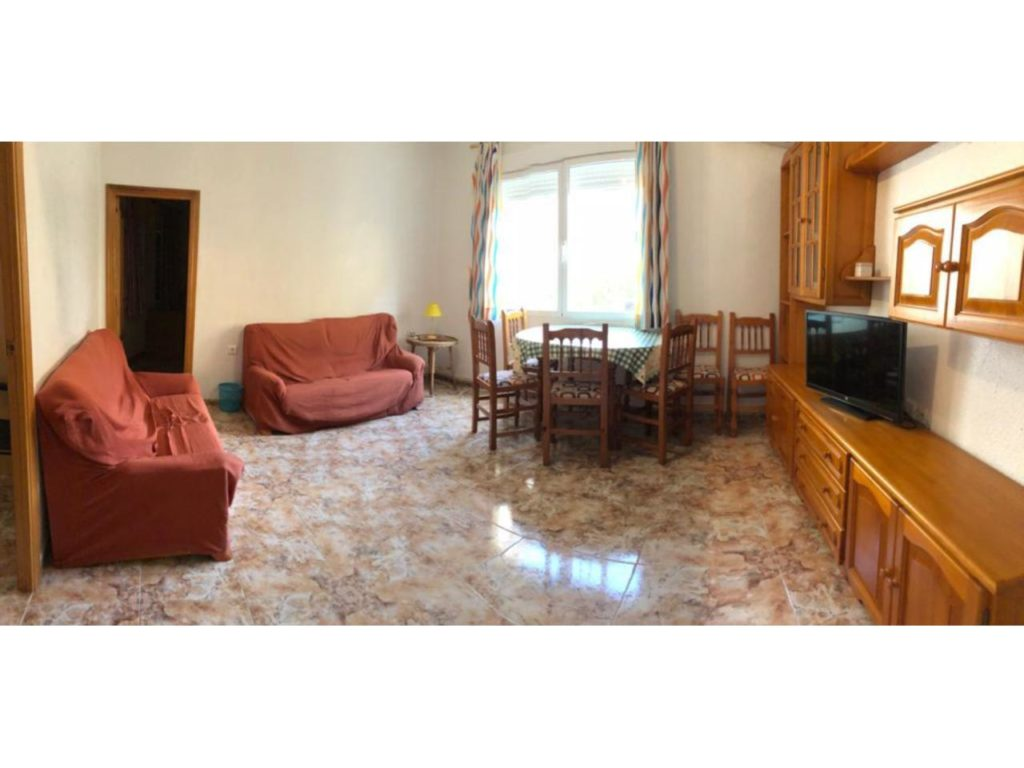 Piso de estudiantes con 4 habitaciones en Ciutat Jardí – Ref. 001017
