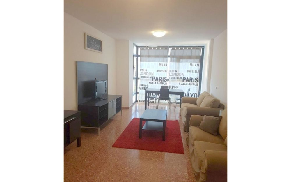 Student apartment with 3 bedrooms in Moncada – Ref. 001026