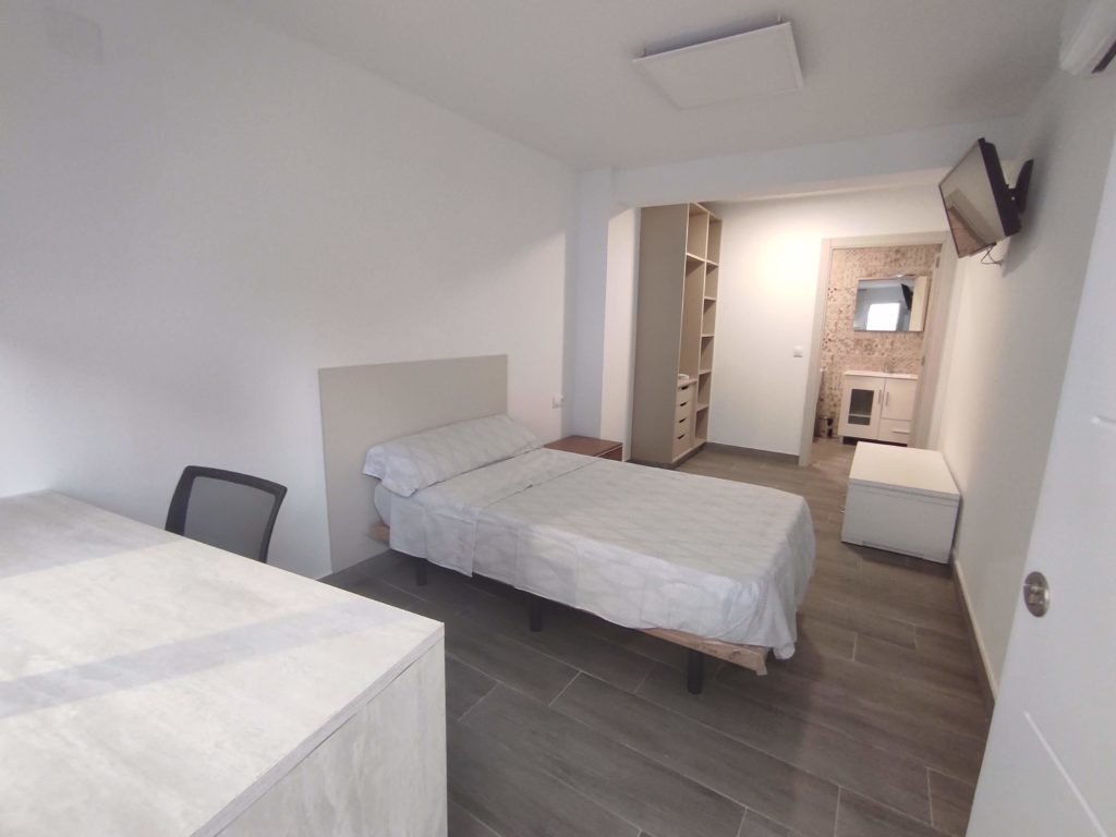 Student rooms in shared flat of Moncada – Ref. 001057