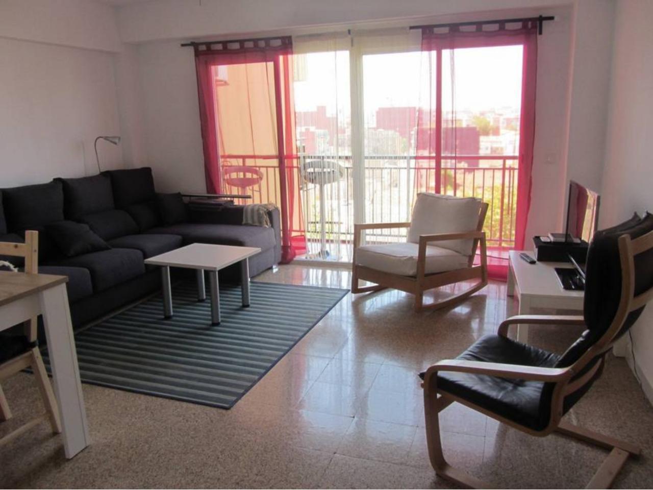 Apartment for rent in El Cabanyal-El Canyamelar – Ref. 000970