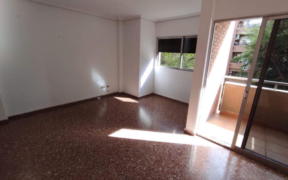 Piso en alquiler en Moncada – Ref. 001065