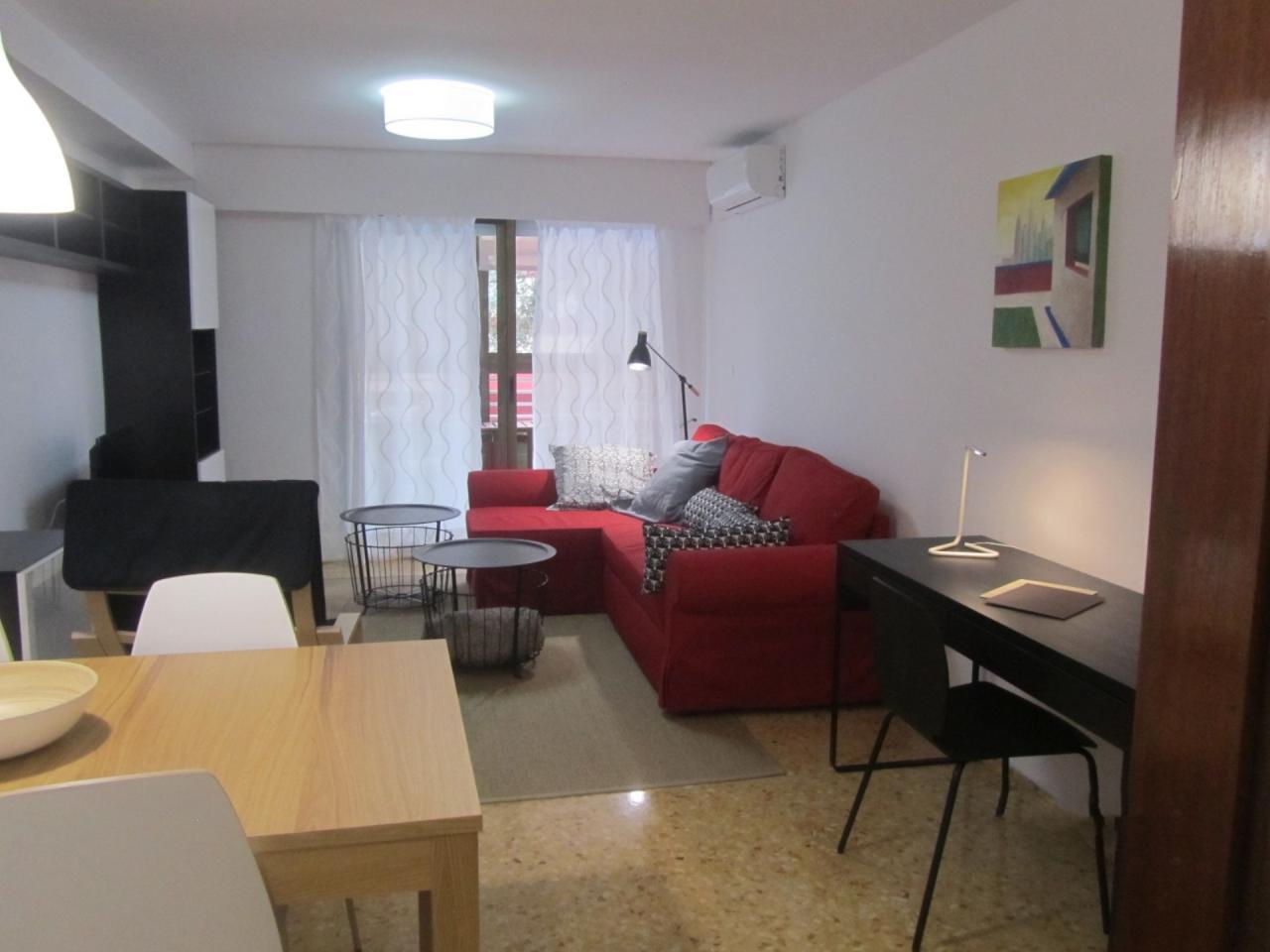 Flat for rent in Ciutat Jardí – Ref. 001090