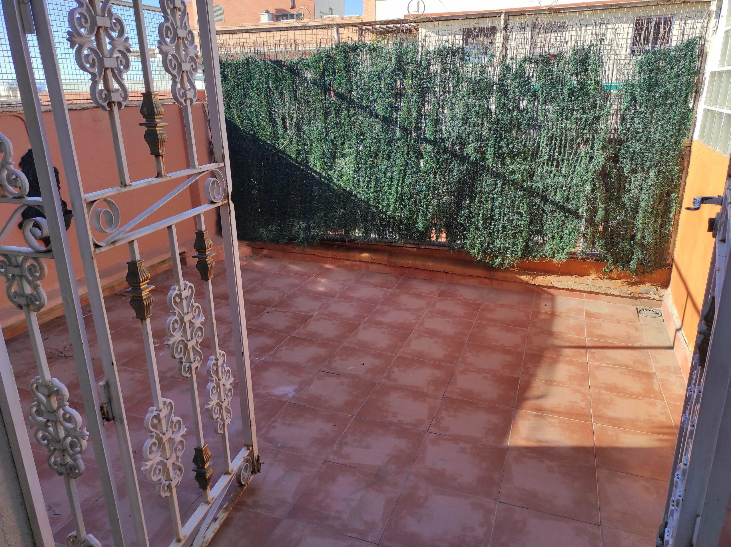 Atico en alquiler en El Botànic – Ref. 001129