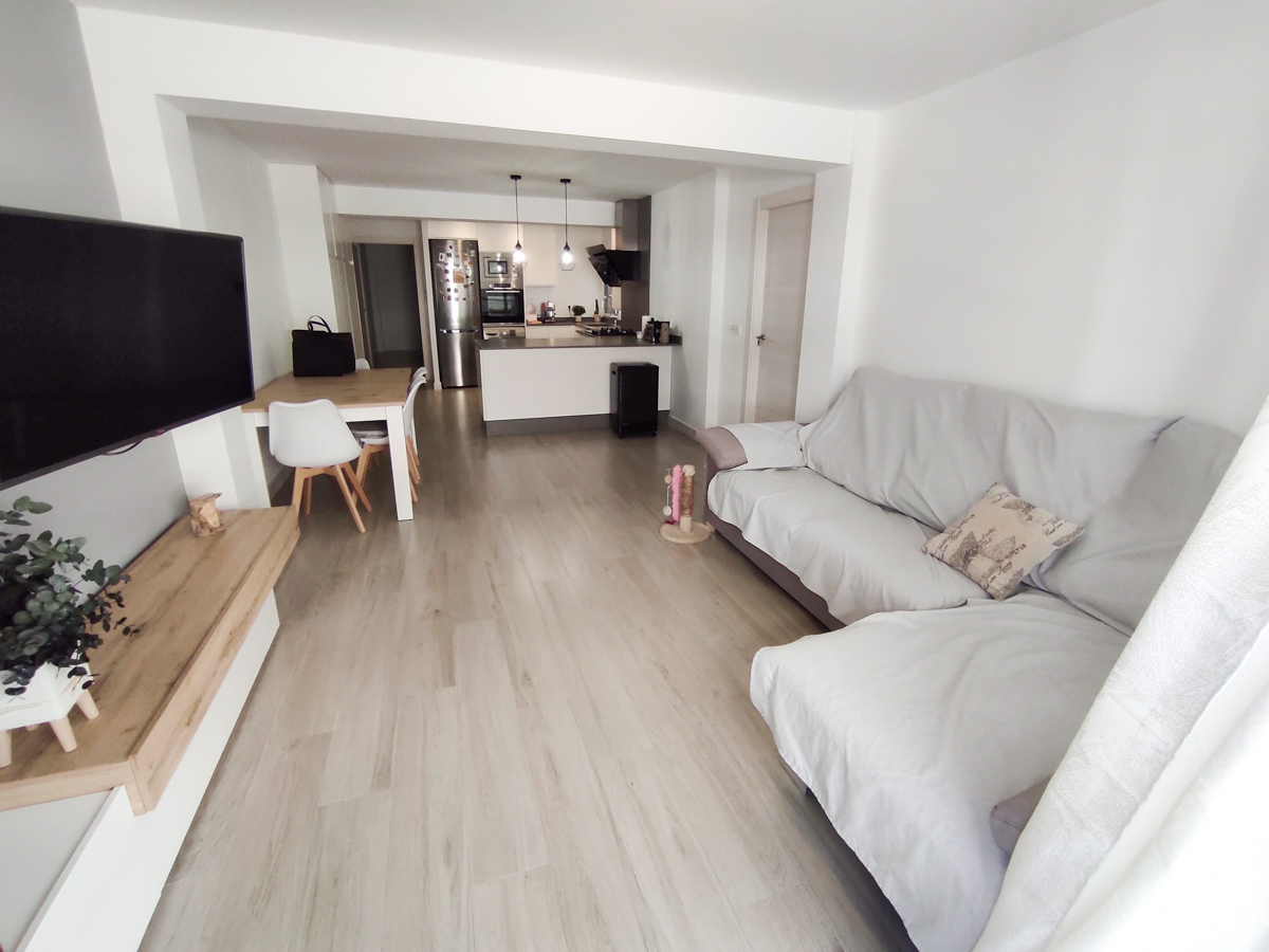 Renovated 3-bedroom apartment for rent in Patraix – Ref. 001183