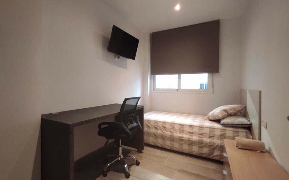 Student room for rent in Moncada – Ref. 001185
