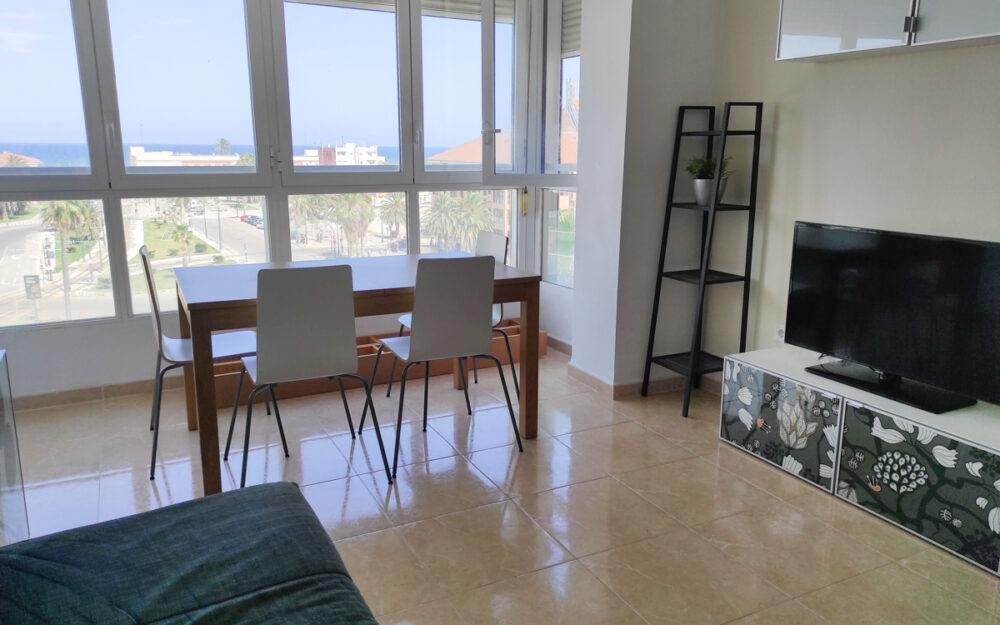 Piso de 4 habitaciones en alquiler en El Cabanyal – Ref. 001199