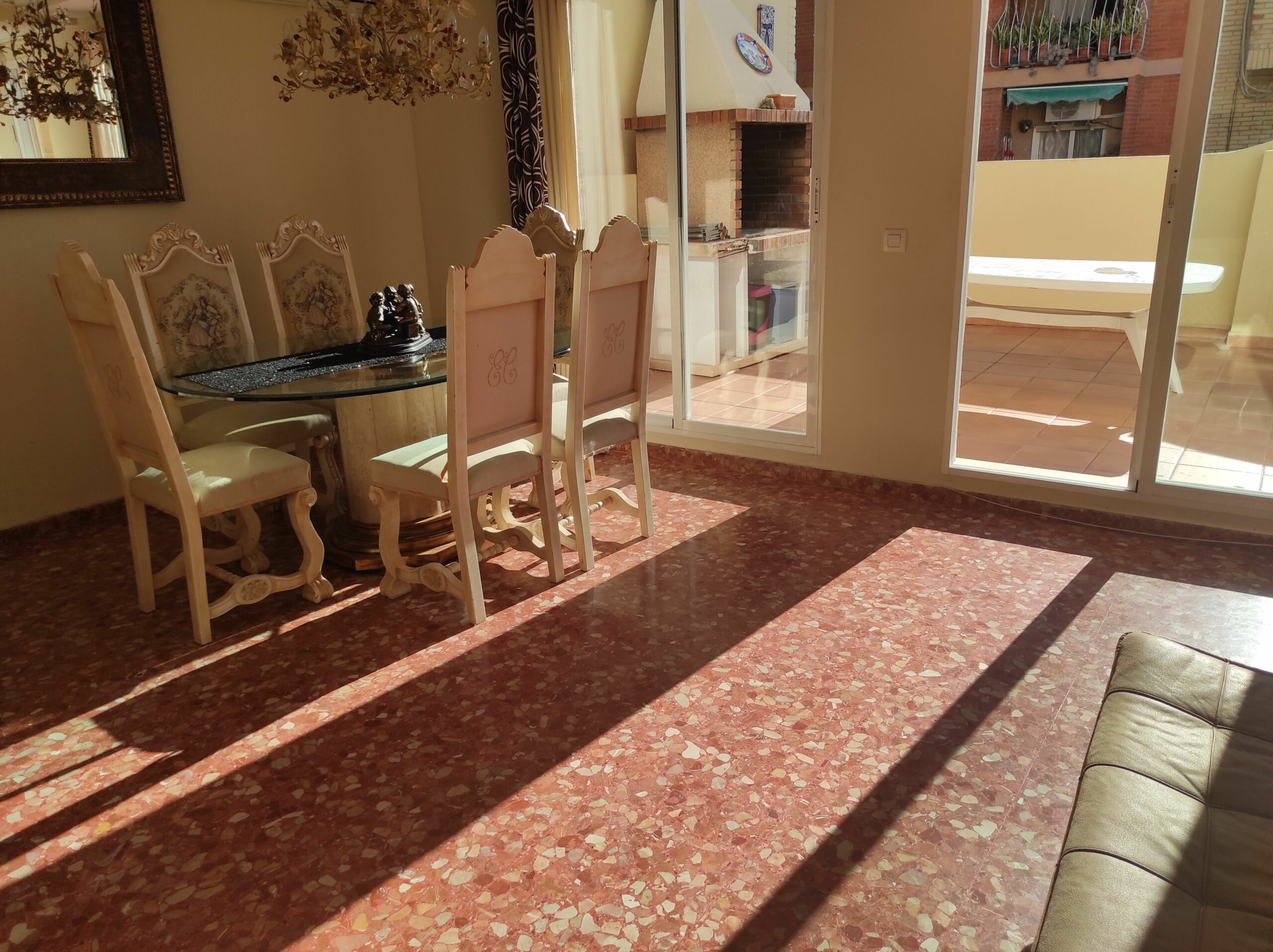 Bright penthouse with large terrace for rent in Beteró – Ref. 001233