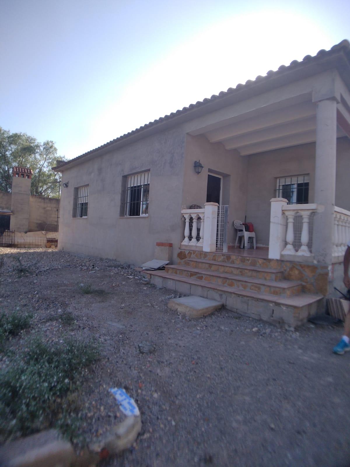 Chalet en venta en La Pobla de Vallbona – Ref. 001236